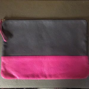Solid leather gap bag